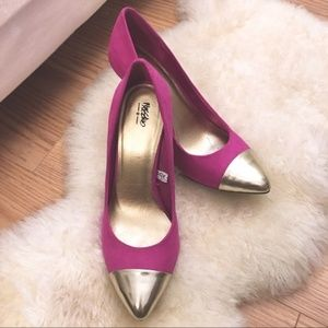 Mossimo Supply Co. Fuschia & Gold Heels